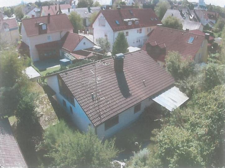 Unsere gewerblichen Mitarbeiter in Donauwörth und München haben die Möglichkeit, je nach Belegung, ein Zimmer bei uns zu mieten.